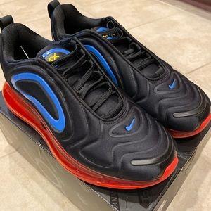 Nike Air Max 720 (size 6Y)